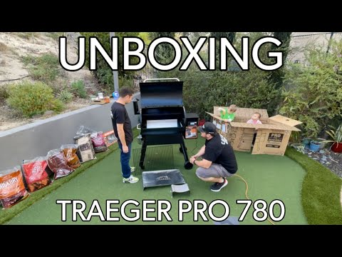 Unboxing and building my new traeger pro 780 with the walchef wolfpack