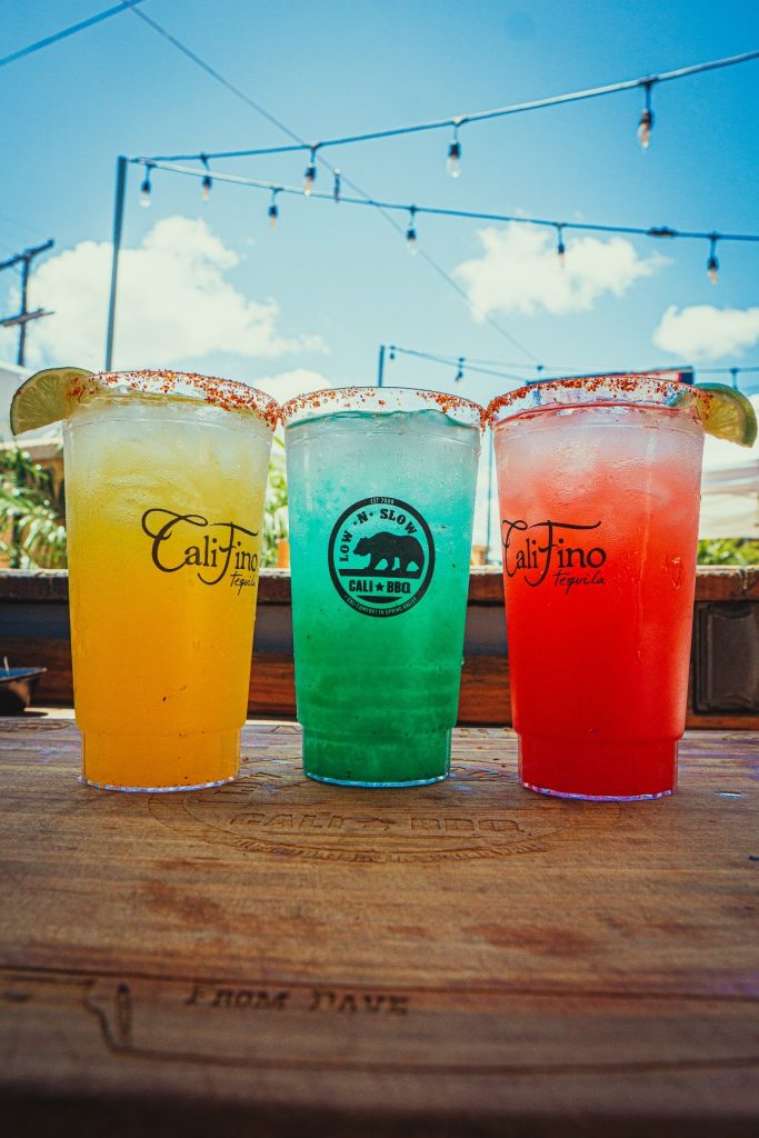 Alcoholic drinks to go at cali comfort bbq in spring valley