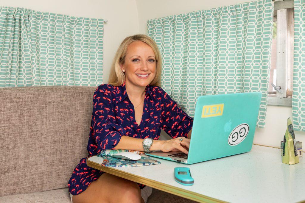 Robyn Lindars GrillGirl website in her camper