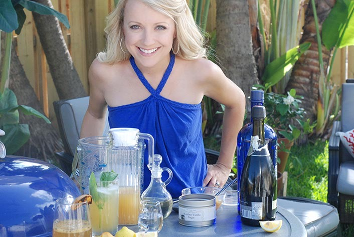 Grillgirl robyn lindars making grilled cocktails at home