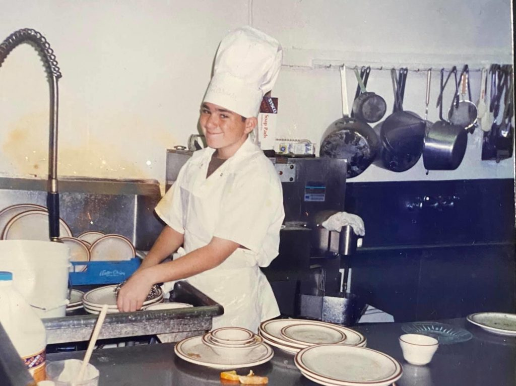 Shawn walchef washes dishes at 14 years old