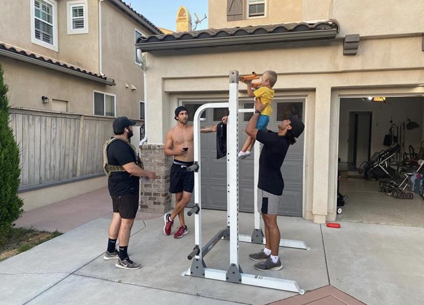 Murph challenge 2020 - josh palet - cali bbq host pull ups with kid